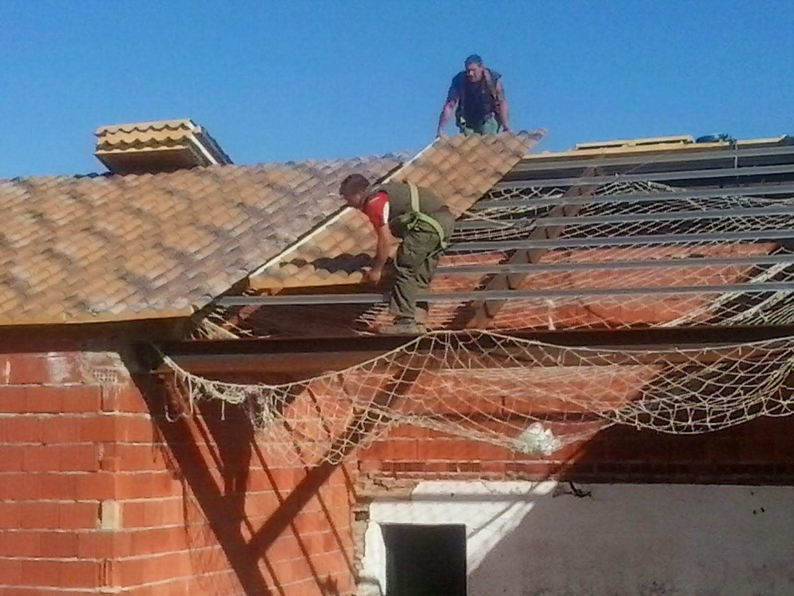 Instaladores chapa trapezoidal y panel montadores de for Tipos de tejados de casas