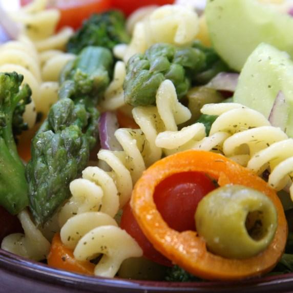 Springtime Pasta Salad #veggies #saladrecipes