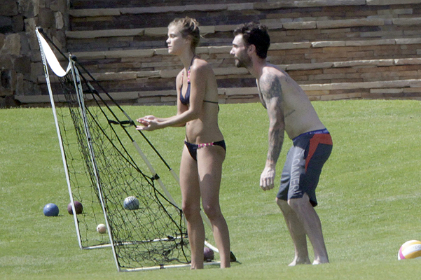 Adam Levine and Nina Agdal in Mexico - news-4y
