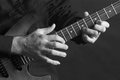 teknik bermain gitar