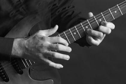 Teknik Bermain Gitar Yang Wajib Bagi Pemula
