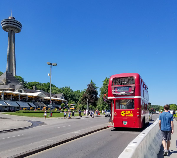 Niagara Falls double-decker bus