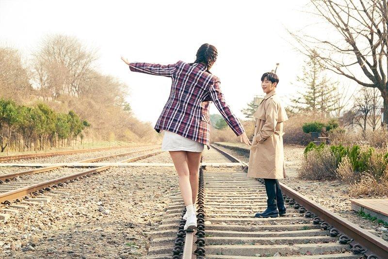 Red Velvet Joy S Romantic Railway Scenes In The Great