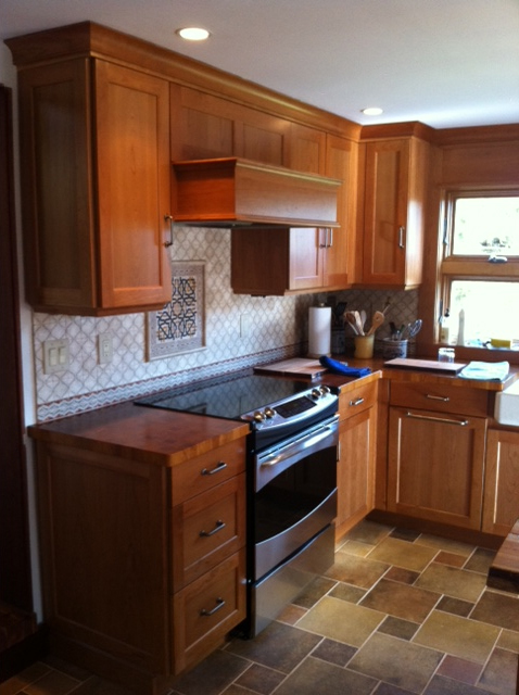 Creative Kitchen Backsplash Designs using colorful natural ...
