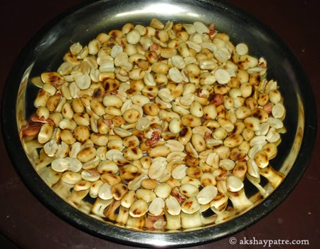 husked peanuts for Til shenga chutney powder recipe