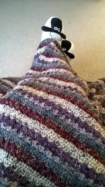 Tina's Allsorts, Winter Berry Blanket