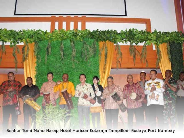 Benhur Tomi Mano Harap Hotel Horison Kotaraja Tampilkan Budaya Port Numbay