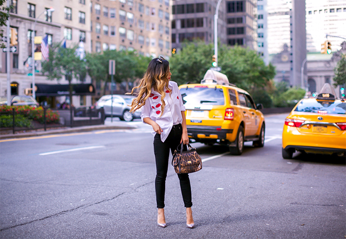 Kisses blouse, white blouse, 7fam hair denim, skinny jeans, dolce and gabbana bag, quay sunglasses, christian louboutin heels, nyc street style, new york fashion week, nyfw ss 2017