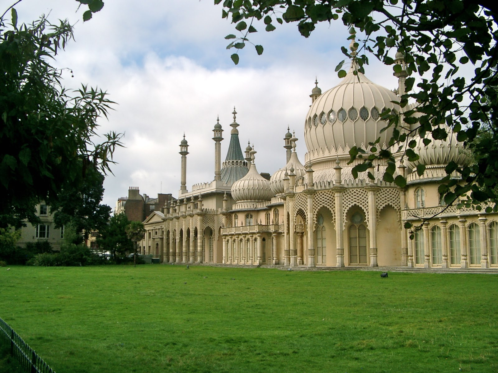 Royal pavilion volunteers