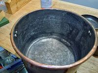 洗い桶の鋳掛修理 余分なはんだをそぎ落として完成 薬缶の修理