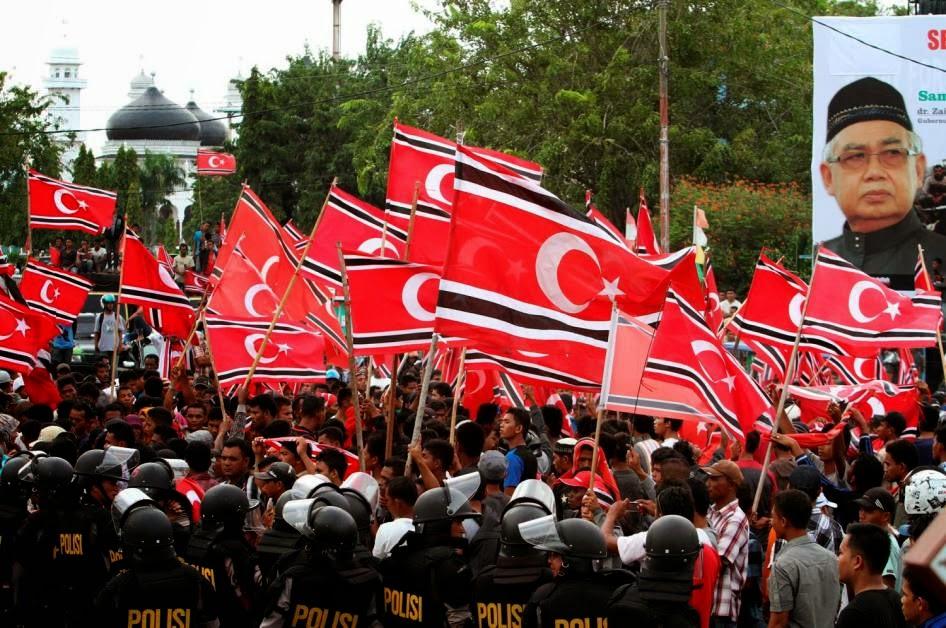 Abdullah Saleh Dipuji, Gubernur Aceh Diminta Bersikap Soal Bendera