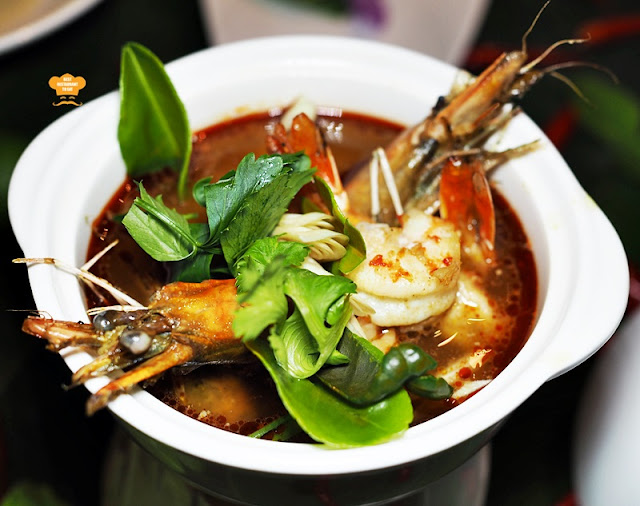 Southern Thai Food - Pak Tai - TOM YUM GOONG - Tom Yam Soup