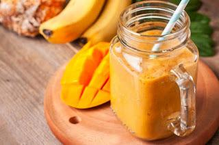 Descubre un batido ideal para facilitar la digestión de piña y mango