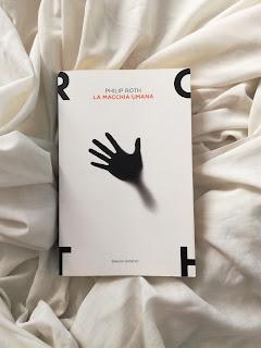 La macchia umana Philip Roth felice con un libro recensione