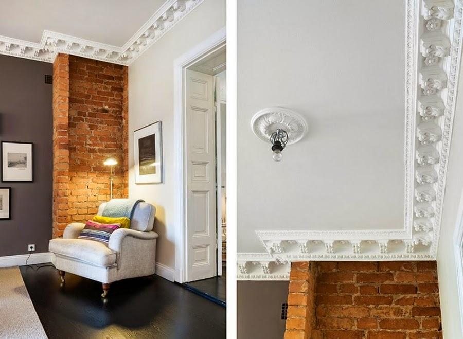Apartament w Szwecji z kontrastową ścianą, wystrój wnętrz, wnętrza, urządzanie domu, dekoracje wnętrz, aranżacja wnętrz, inspiracje wnętrz,interior design , dom i wnętrze, aranżacja mieszkania, modne wnętrza, styl klasyczny, styl nowoczesny, ceglana ściana, ściana z cegły, ceglana ściana, ceglanu mur, fotel, lampka, sztukateria