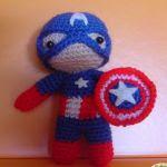 http://elmundodelosamigurumisdeana.blogspot.com.es/2015/06/capitan-america-mini.html#more