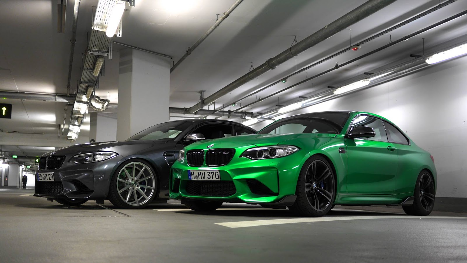 bmw m2 gets poison green paintjob steals thunder from mineral grey friend. Black Bedroom Furniture Sets. Home Design Ideas