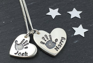 Bella & Bow handprint necklace review with Bella & Bow discount code