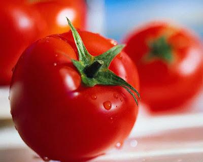 1. 1 Tomato for skin whitening