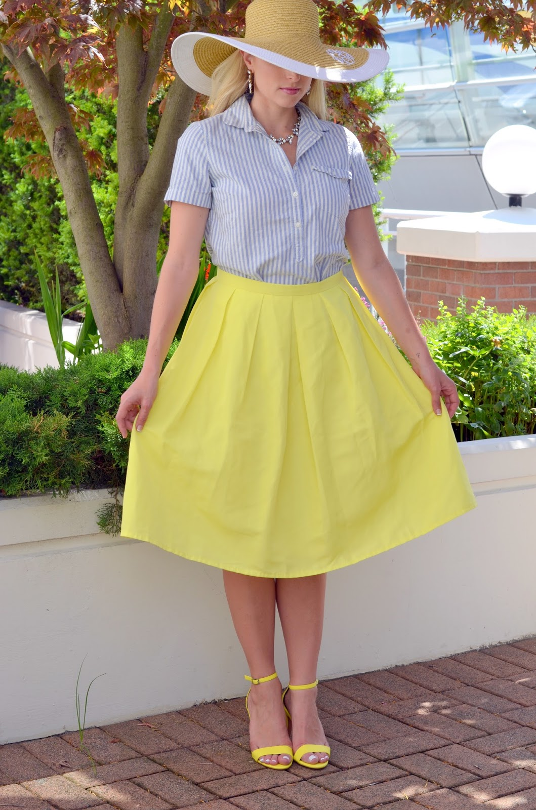 midi-skirt-summer-outfit