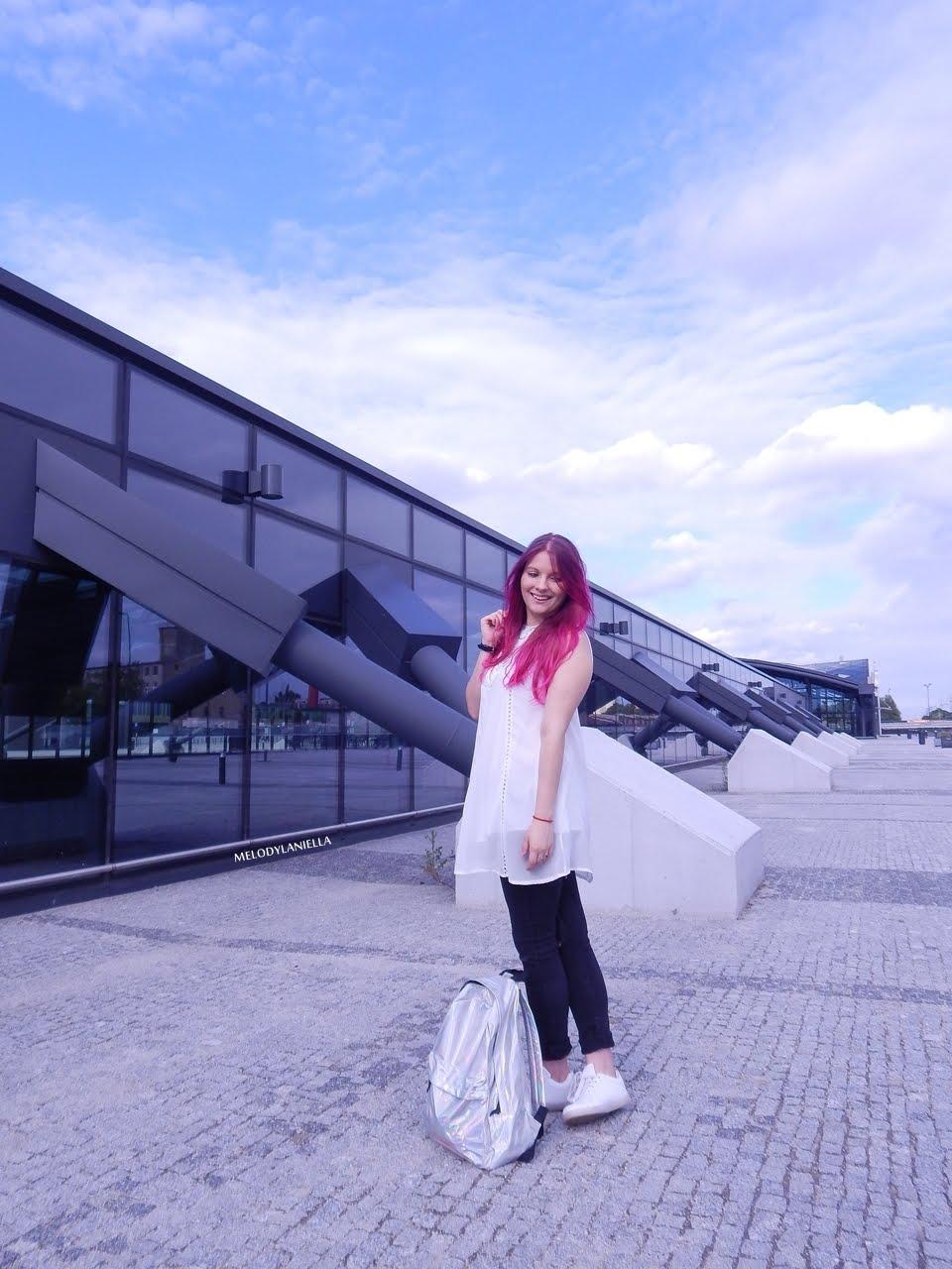 13 holograficzny plecak betterlook.pl farby venita różowe włosy jak pofarbować włosy kolorowe włosy ombre pink hair paul rich watches zegarek czarne jeansy z dziurami modna polka lookbook