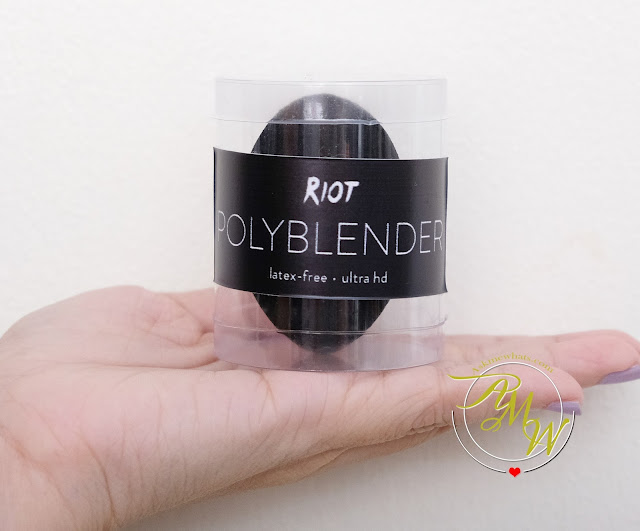 a photo of RIOT Polyblender Sponge Review Askmewhats