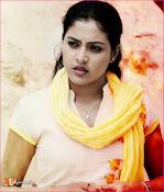 Aavu Puli Madhyalo Prabhas Pelli Movie Stills-thumbnail-1
