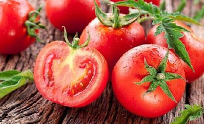 Cara Mudah Hilangkan Jerawat Punggung Dengan Masker Tomat