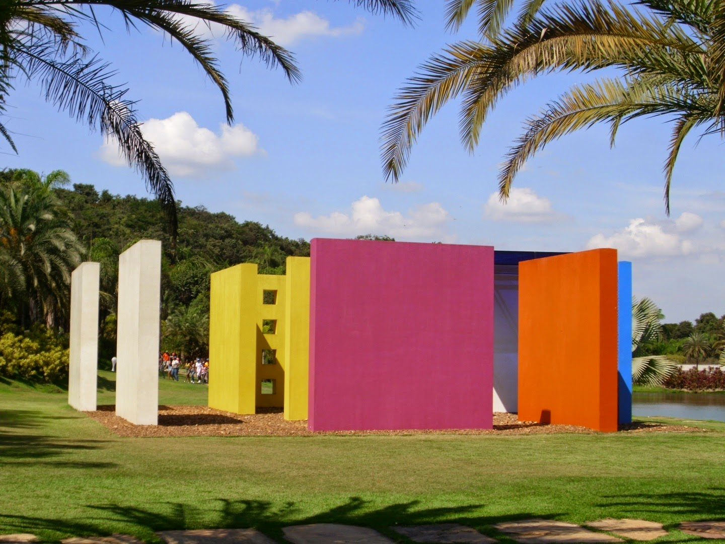 Inhotim, escultura Penetrável Magic Square de Hélio Oiticica