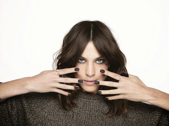 Fingertip Fashionistas Alexa Chung Will Be Making An Appearance At Sephora Union Square Next Week To Launch Her New Polish Collection With Nails Inc