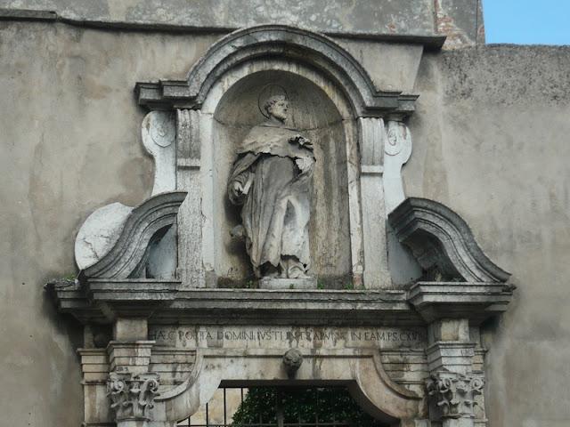 Human Statue at Verona