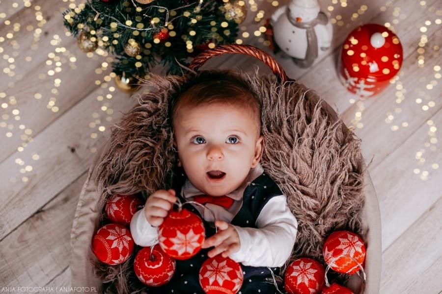 Święta, święta i po świętach - dziecięca fotograficzna sesja świąteczna  - Zobacz więcej