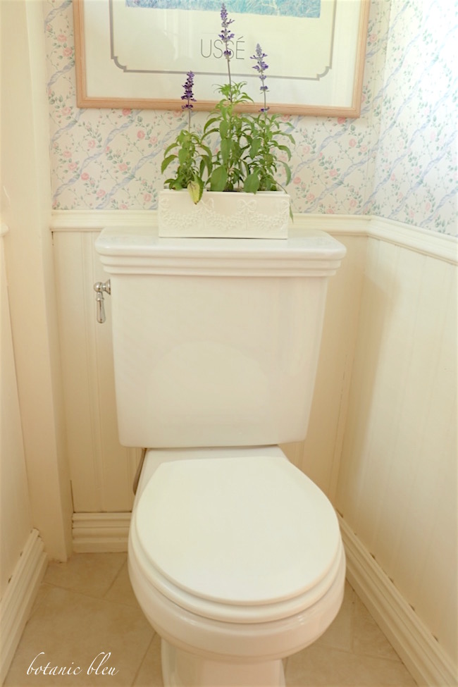 white-toilet-seat-height