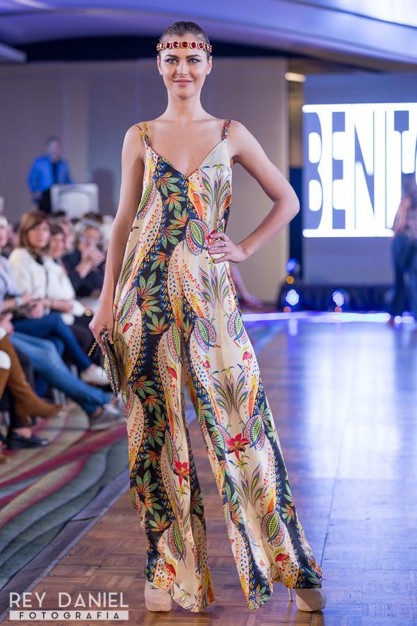 Monos de moda primavera verano 2017. Moda mujer verano 2017 Benito Fernández.