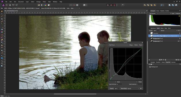 Affinity Photo z widocznym oknem edycji krzywych