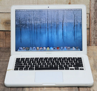 Jual Macbook White Unibody Bekas