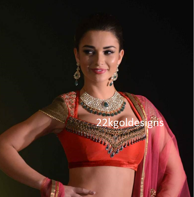 Amy Jackson in Bridal Polki Diamond Necklace