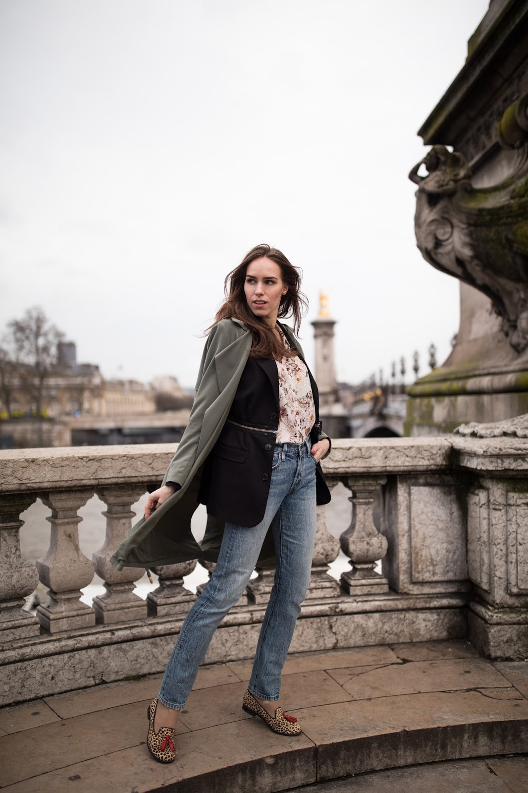 layered spring outfit paris street style