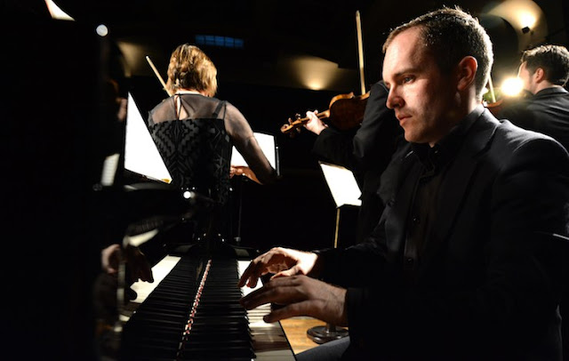 Simon Callaghan and the London Mozart Players