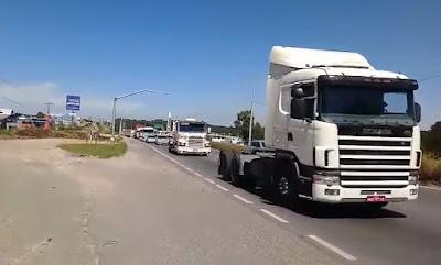 Caminhão Scania Branco
