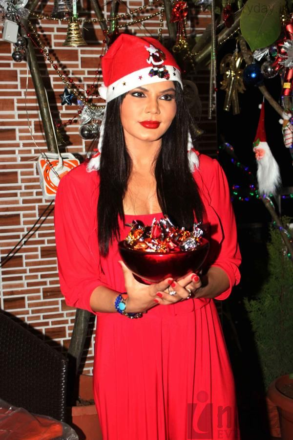 Veena Malik christmas celebration, Veena Malik in red sexy dress