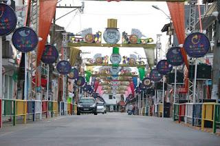 http://vnoticia.com.br/noticia/2395-com-o-tema-chacrinha-o-velho-guerreiro-sjb-divulga-programacao-de-carnaval