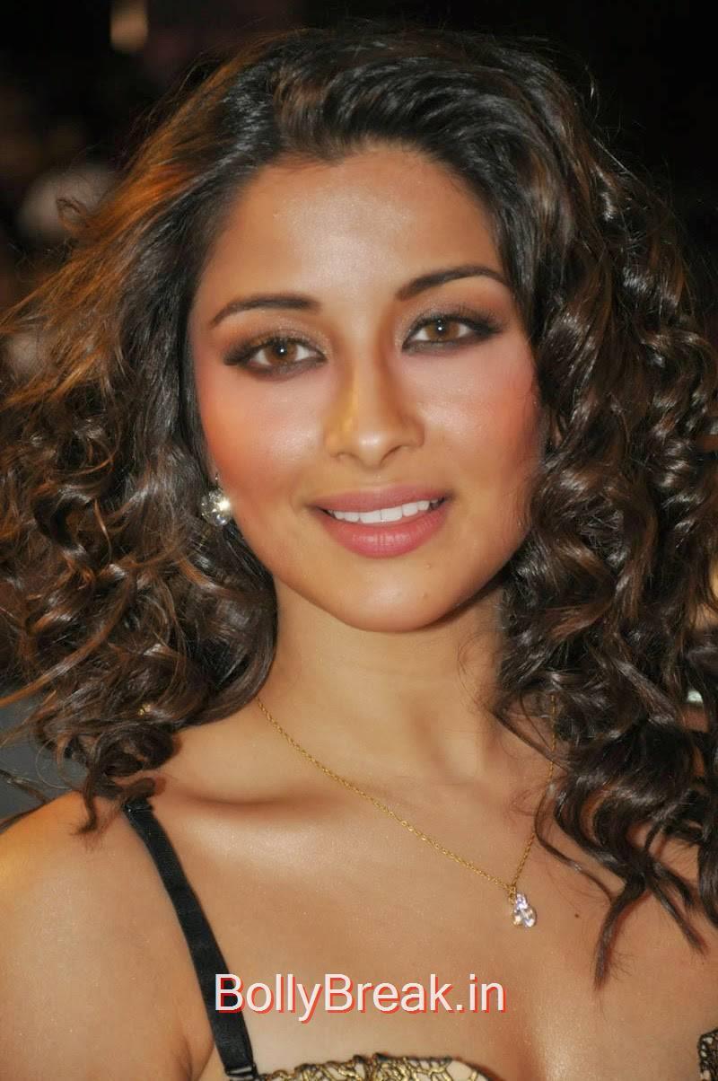 Tollywood Actress Madhurima