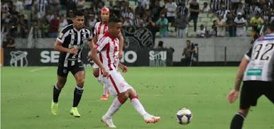 Ceará e Náutico se enfrentaram pela Copa do Nordeste: jogo derrubou Verão 90 para o segundo lugar
