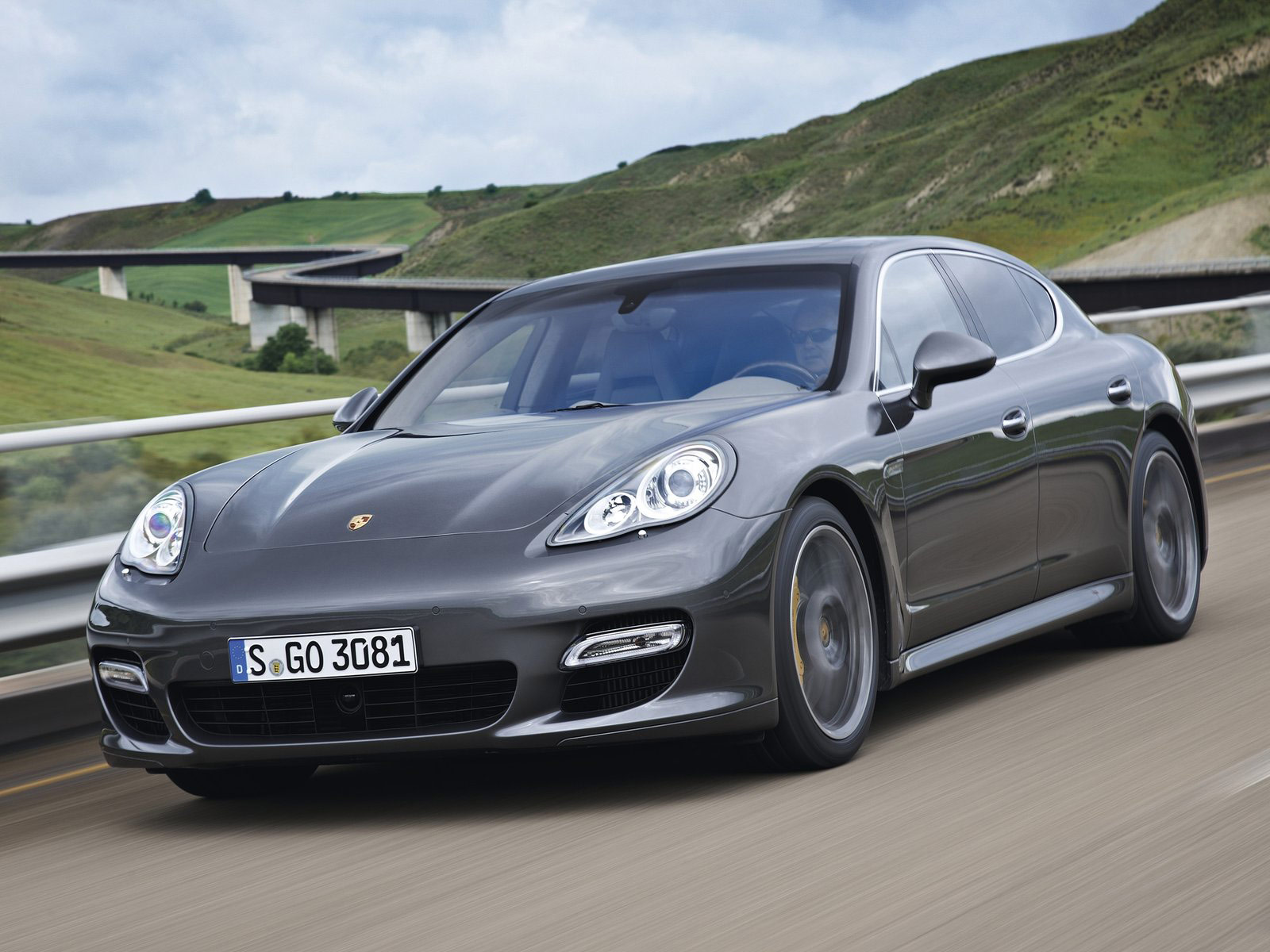 2012 porsche panamera turbo s pictures specifications. Black Bedroom Furniture Sets. Home Design Ideas