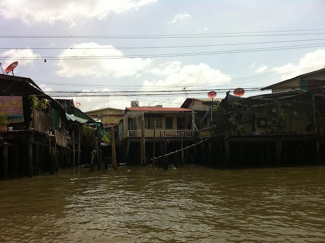 Casas a escasos metros del nivel del agua