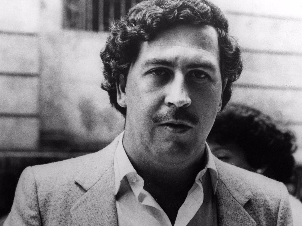 """""""Yo estuve con mi padre Pablo Escobar escondido y rodeado de millones de dólares, pero muriéndonos los dos de hambre."""