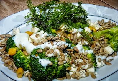 Sałatka z brokuła i słonecznika