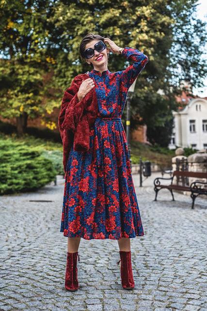 sukienka, sukienka maxi, boho, jesienne , midi sukienka, sukienka w kwiaty, stylistka porady stylistki, botki, stylizacje, kolorowe stylizacje, butik, blog, blog po 30-tce, futerko, jesiennie,