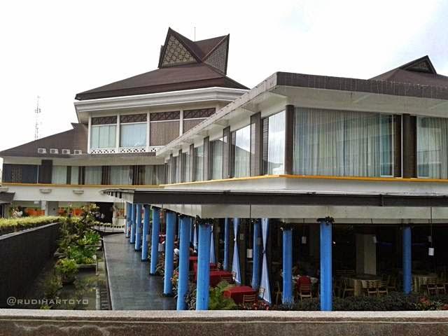 Berlibur Asik di Mikie Holiday Resort